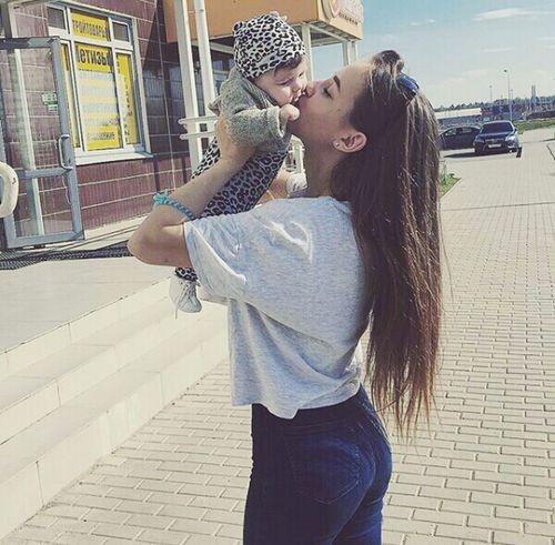 Моя бусина😊😄😇😍☝💗💕💖 Love Happiness Love ♥ Still Life Russia Devyatkino Saint Petersburg Walking Withmylove Niceweather Mynewlove😍 Withsister Sister ❤ Niece 💕 First Eyeem Photo