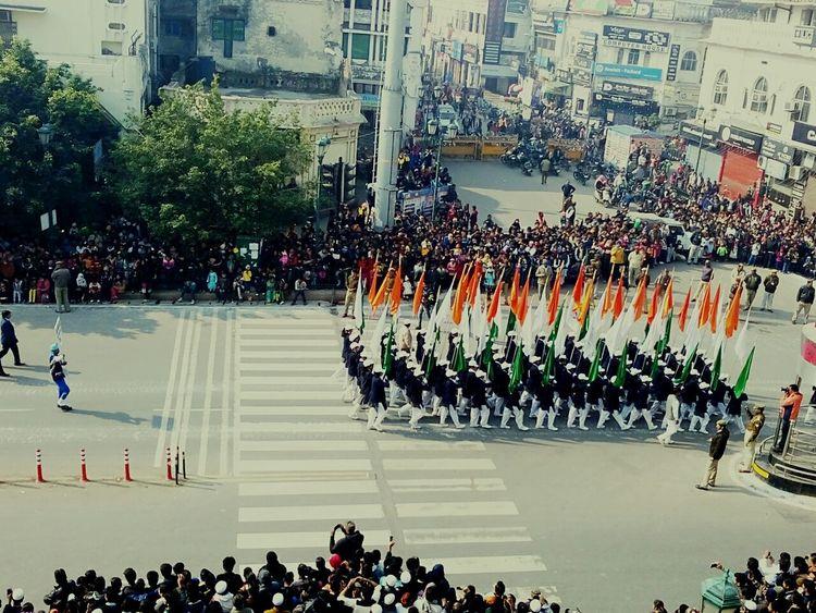26th January Eyeemindia Hazratganj LucknowIndianrepublicday watching Indianrepublicdayparade Parade EyeEm Best Shots Street Photography PhonePhotography