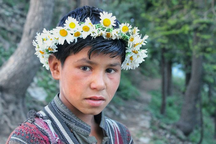 Filters of innocence Faces Of EyeEm Faces In Places Inncocent One Person Flower Flowerband Flowerfilter Portrait Children Only Focus On Foreground Flower Head Likeforlike Taking Photos Traveling Canon600D Canonphotography Think Positive Nationalgeographic Likesforlikes Followforfollow Exploring Kids Kidsphotography Headshot Nature