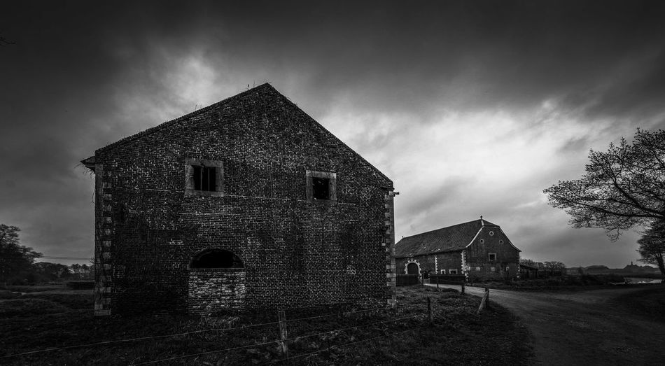 Barn Backgrounds Blackandwhite Black And White Beautiful Cloud - Sky Day EyeEm Best Shots EyeEmNewHere EyeEm Selects EyeEm Gallery Eye4photography  First Eyeem Photo Light Landscape Monochrome Outdoors Sunset Scenics Abandoned Sky Building Exterior Built Structure Historic Old Ruin Tranquil Scene Idyllic Countryside Exterior My Best Photo