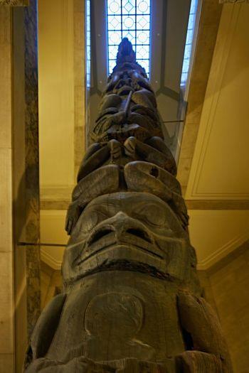 The famous totem poles in first floor stairwells. Torontoclx ROMToronto Toronto EmptyROM Myfujilm Huffingtonpost RoyalOntarioMuseum Blogto
