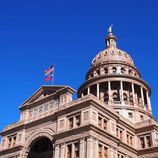 Austin is the state capital of Texas and so has the Capitol Building, a very beautiful building that also has free tours ----------------------------------------------------------- Austin Keepaustinweird Capitolbuilding Texas Lonestarstate Statecapitol Architecture Architectureporn Historic History USA America Americanhistory Bluesky Blueskies Travelling Travel Instatravel Instapic Instagram Wanderlust Olympus Photo Takemeback