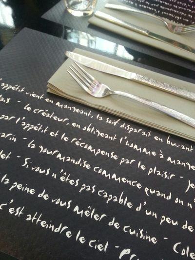 Bon Appetit Déjeuner Lunch Time! Hungry