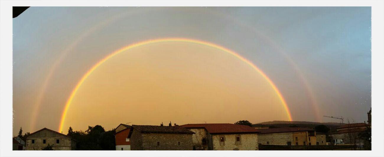 Pedazo de arco iris de esta tarde Rainbow #nature #arcoiris #nice