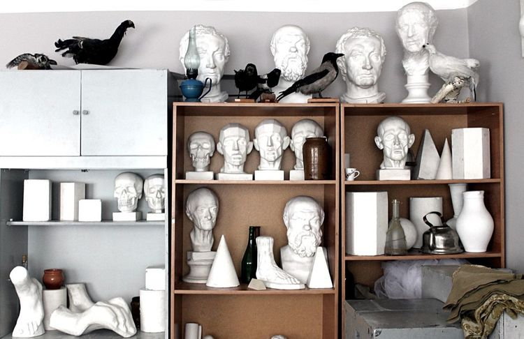 Искусство EyeEm Selects Shelf Variation Large Group Of Objects Indoors  Sculpture Statue Collection Day