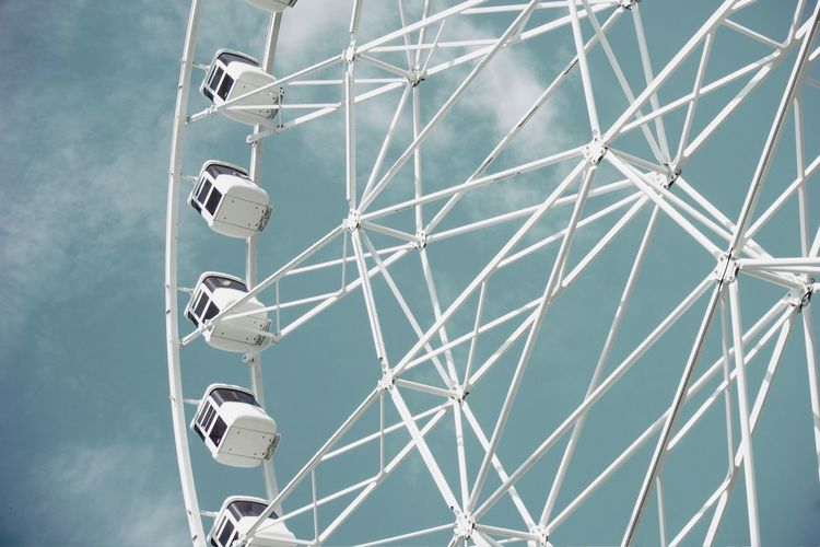 Fun Park Simplicity Minimalism Sony A6000 Perspective From My Point Of View Personal Perspective No People Getting Inspired Look Up And Thrive The Architect - 2016 EyeEm Awards Geometry White My Unique Style Eye4photography  EyeEm Gallery Getting Creative EyeEm Best Edits Details Metal Structure Structure Urban Urban Geometry The Essence Of Summer