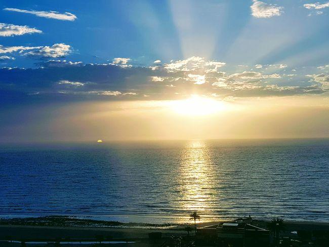 Good morning ، Bonjour ، Buenos dias ، Goede morgen، Καλημέρα ، صباح الخير ، 早安 ، Buongiorno ، Günaydın Sunset Sea Cloud - Sky Water Nature Scenics Reflection