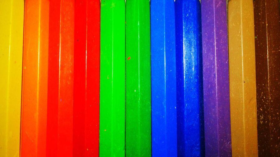Multi colored corrugated metallic wall