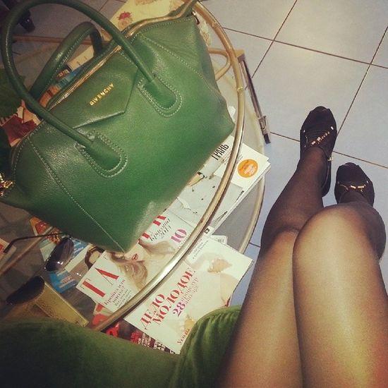 сумка зеленый ноги