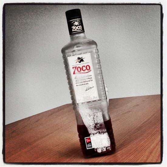 Resteverwertung am Hasstisch: Licor Pacharan #Zoco... eisgekühlt! Cheers Salud Liqueur Prost Licor Chinchin Zoco Likör Hasstisch Likoer
