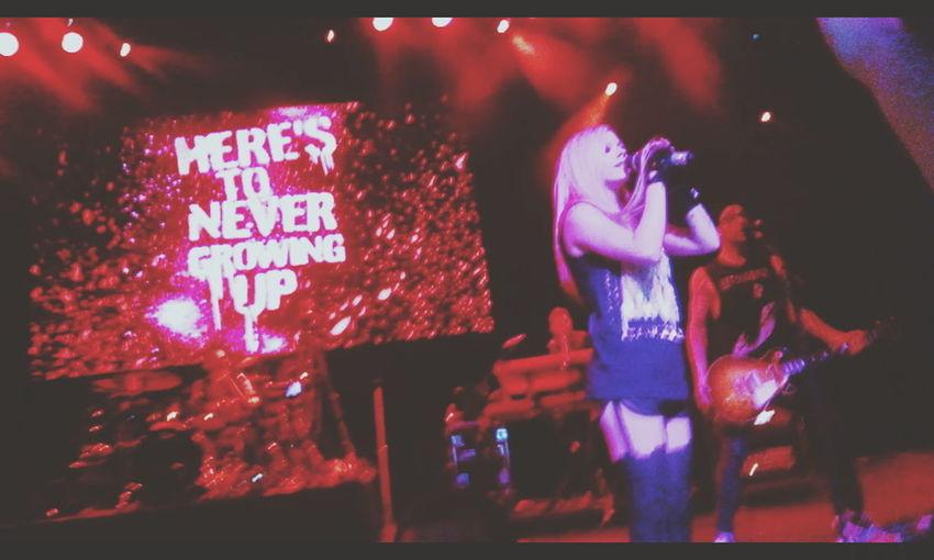 Muitas saudades apenas! AvrilLavigne The Avril Lavigne Tour Herestonevergrowingup Avrillavignebrasil