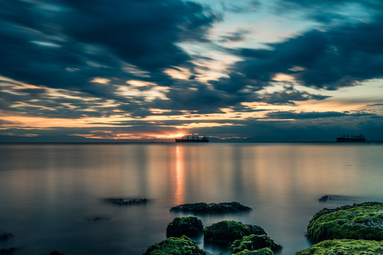 Cloud - Sky Water Sky Scenics - Nature Tranquility Beauty In Nature Tranquil Scene Sunset No People Nature Sea Idyllic Photo Photography Seascape Sea And Sky Seaside Picoftheday Photooftheday Long Exposure Bestoftheday Best EyeEm Shot Colors Greece GREECE ♥♥ Thessaloniki Thessaloniki Greece Thessaloniki_lovers