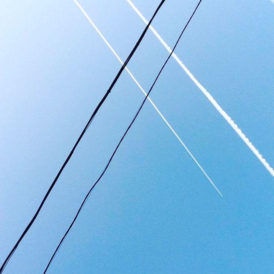 Замечай необычное 😌 Clear Sky Blue No People Nature Sky Photography Autumn Geometry Rostov Freedom