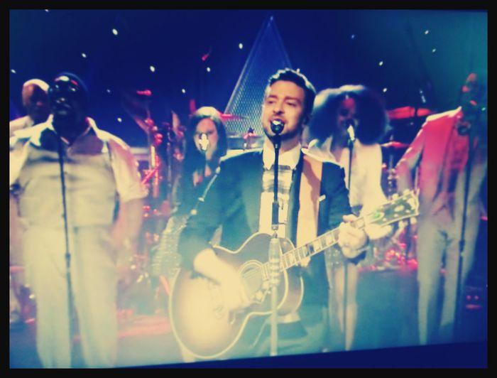 Happy Weekend !!! Watching Live Music JustinTimberlake Luvya Man ?