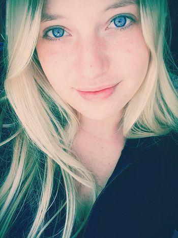Enjoying Life Faces Of EyeEm Selfportrait That's Me Blue Eyes Hello World Boring