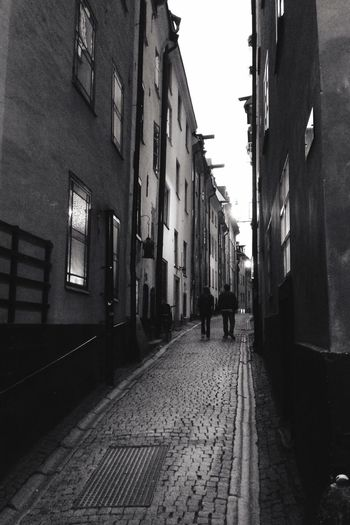 Walking and wondering Streetphoto_bw Mobilephotography Gamla Stan Stockholm MADE IN SWEDEN