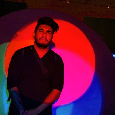;) Museodelaluz Colores