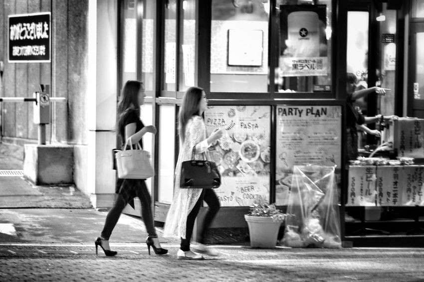 Capture The Moment Nightphotography Blackandwhite Walking People Streetphotography Women Around The World Light And Shadow Full Length People Watching Snapshots Of Life Darkness And Light Urban Exploration Fine Art Photography Getting Inspired Uzu St. Monochrome Fashion Full Frame Detail SONY A7ii Oldlens Takumar EyeEm Best Shots 17_10 EyeEmNewHere Black And White Friday