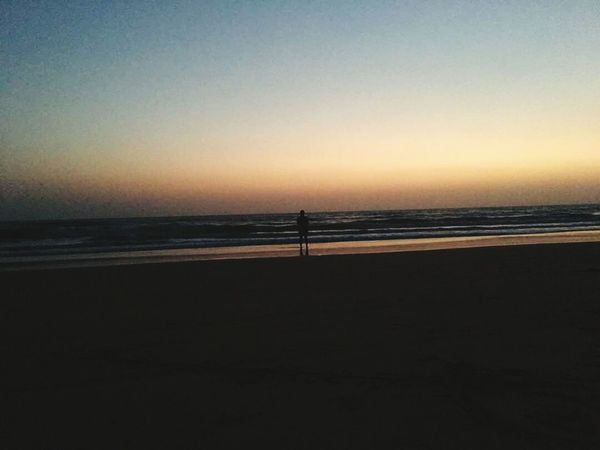 Sunset Silhouette Horizon Over Water Travel Destinations Full Length EyeEmNewHere Thatsme ❤️ Breathing Space