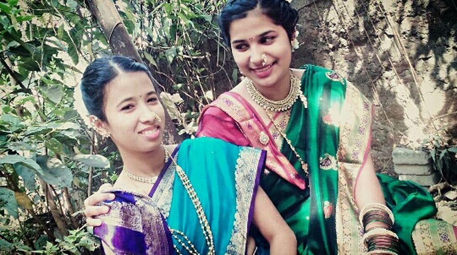 Hi! Hello World ✌ Beingtraditional Beingmaharashtrain Beingindian Culture Of India Candid Photography Candid Shot Lovethem♥ Friends ❤ Beautifulgirls Innocence Indianculture 🙏