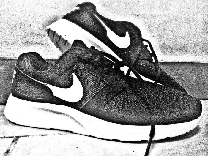 A new pair kicks to start your day. Yehey!. 😊 👟🙌👍👍Kaishirun Kaishi Sneakers Sneaker Sneakerhead
