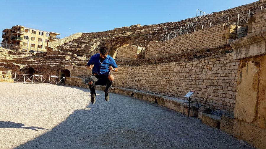 Salto perdido. Only Men Sport Activity Healthy Lifestyle Nature Motion EyeEmNewHere