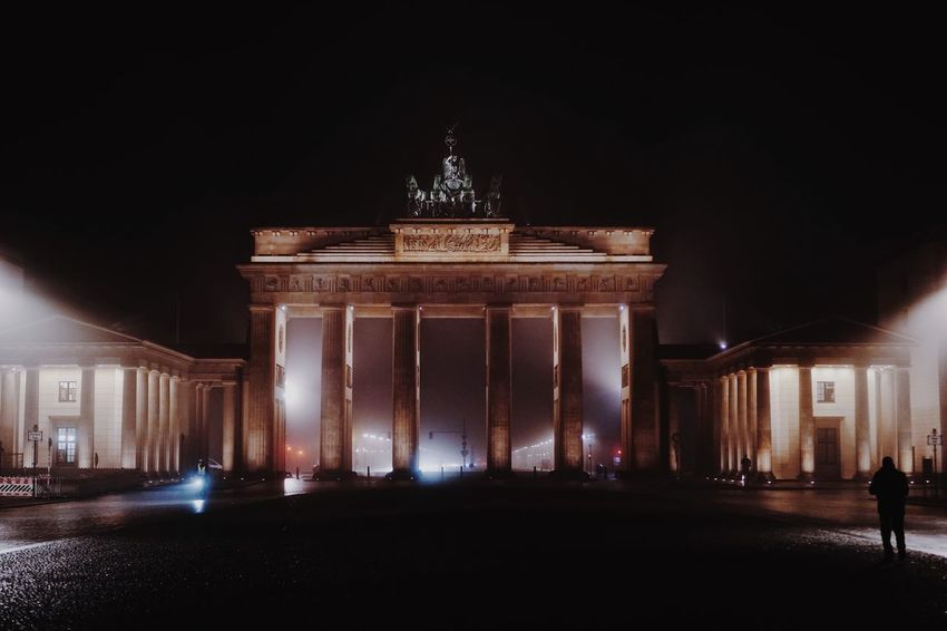 EyeEm Selects Night Illuminated Architecture Architectural Column Built Structure City Gate Tourism Travel Destinations History Low Angle View Statue Triumphal Arch Outdoors Sky No People City