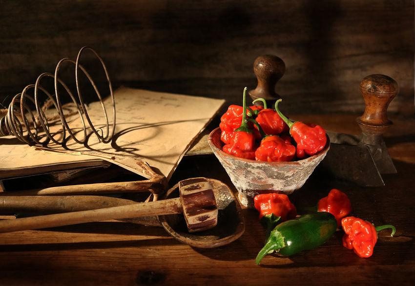 Table Wood - Material Household Equipment Kitchen Utensil Red Vintage Kitchen Chili Pepper Sharp