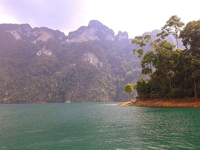 Kao Sok National Park, Thailand Relaxing Enjoying Life Kaosok Thailand Nationalpark Lake Water High Cliff Tropical Finding New Frontiers Kao Sok Landscape Landscapes