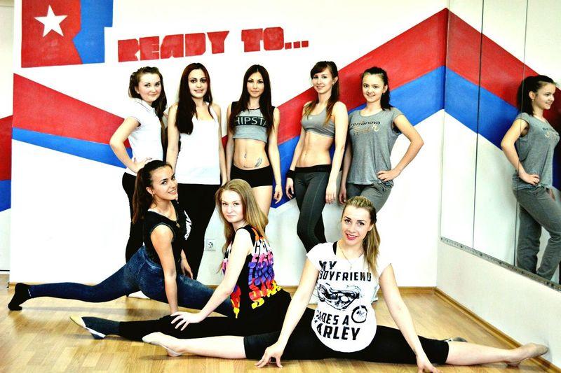 training straiching Gymnastics Streiching Twine Girls