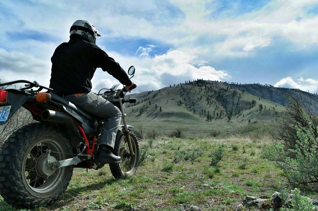 Chelan, WA. Adrenaline Junkie in the PNW. Adventure Club On The Way The Great Outdoors - 2016 EyeEm Awards Share Your Adventure Snapshots Of Life Exploring New Ground Mountains Motorcycle The Adventure Handbook Tw200 Pacific Northwest  Miles Away Be. Ready.