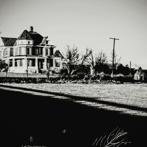 Victorian House Historic Site haunted vintage Black And White Photography Country Living Farm Life Antiques Sunny Day Wintertime Ghost? USA Colorado Times Walking Around Pasture Fence Pastural EyeEm colorado life Colorado Photography American Life Vintage Beautiful House Small Town Life rural Country House Winter Morning Welcome To Black