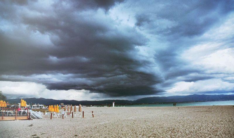 Marzo pazzerello... In un attimo dal sole 🌞 all'ombrello ☔️