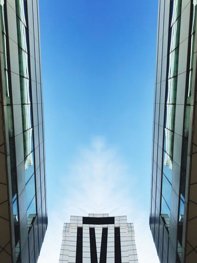 Cloud Sky Built Structure Architecture Building Exterior Day Blue Low Angle View Outdoors Wall - Building Feature Glass - Material Modern Copy Space City Building Sunlight Office Building Exterior Clear Sky Nature No People Tall - High