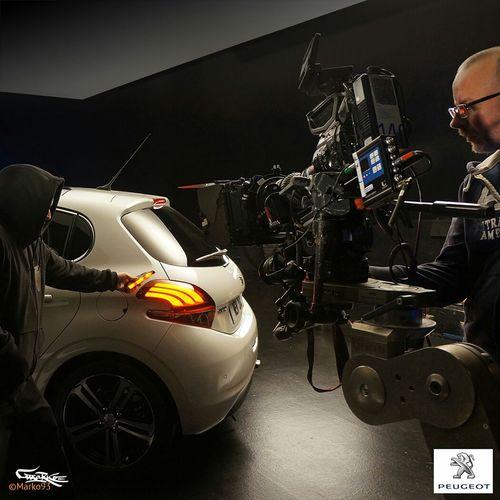 Tournage publicitaire Peugeot 208 Peugeot Marko93 Lightpainting Motion Art Comercial Advertising Publicité  Car Light