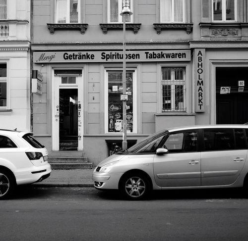 Spätkauf Berlin Spätkauf Späti Berlin Berliner Ansichten Blackandwhite