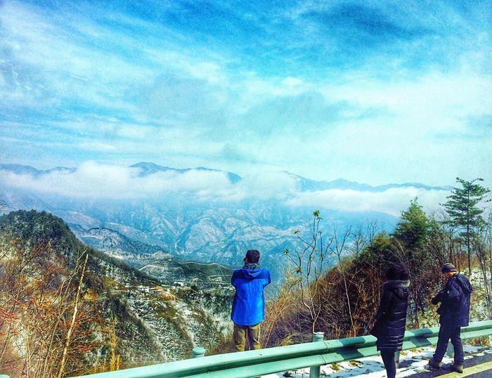 Should Not Human Beings Awe the Nature?湖北神农架 Drivebyphotography Drivingshot Window View Mountain View China Beauty HuBei Traveling