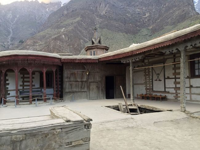 Building Exterior Mountain House Place Of Worship Residential Structure Baltit Fort Hunza Architecture Hunza Hidden Gems  Capture The Moment Antiquities Beauty In Nature Historic Famous Place Taking Photos Hunza Valley Pakistan Karimabad Traveling Beautiful View Landscape History Wood - Material Man Made Object