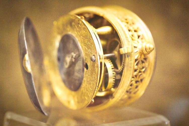 Old clock mechanism Mechanic Clock Close-up Gear Gold Gold Colored Mecanical Mechanism Metal Old Precision Selective Focus Watch