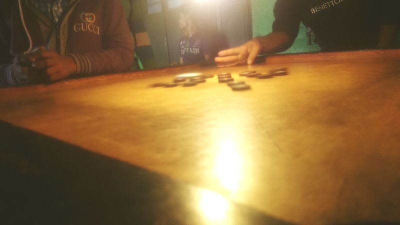 It's time to PlAy Play Carrom