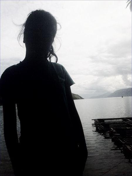 Black & White Shillouette Relaxing Medan
