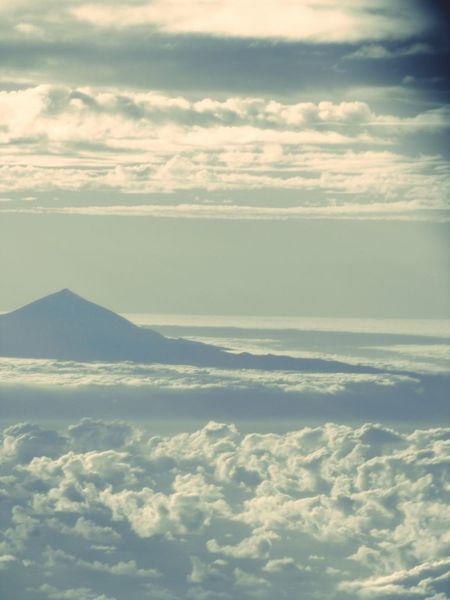 Del Teide Vulkan From An Airplane Window in Teneriffa