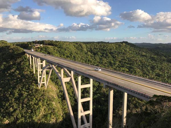 Valledeyumuri Yumuri Valley Bridge Valle Tal