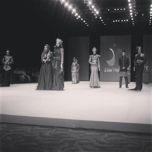"Wonderful and epic closing by @dianpelangi ""The Royal Kingdom of Indonesia"" at Plenary Hall, JCC for Indonesia Fashion Week 2014 IFW2014 MuslimWear DPforIFW2014"