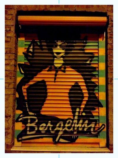Streetart AMPt - Shoot Or Die Street Art Colors