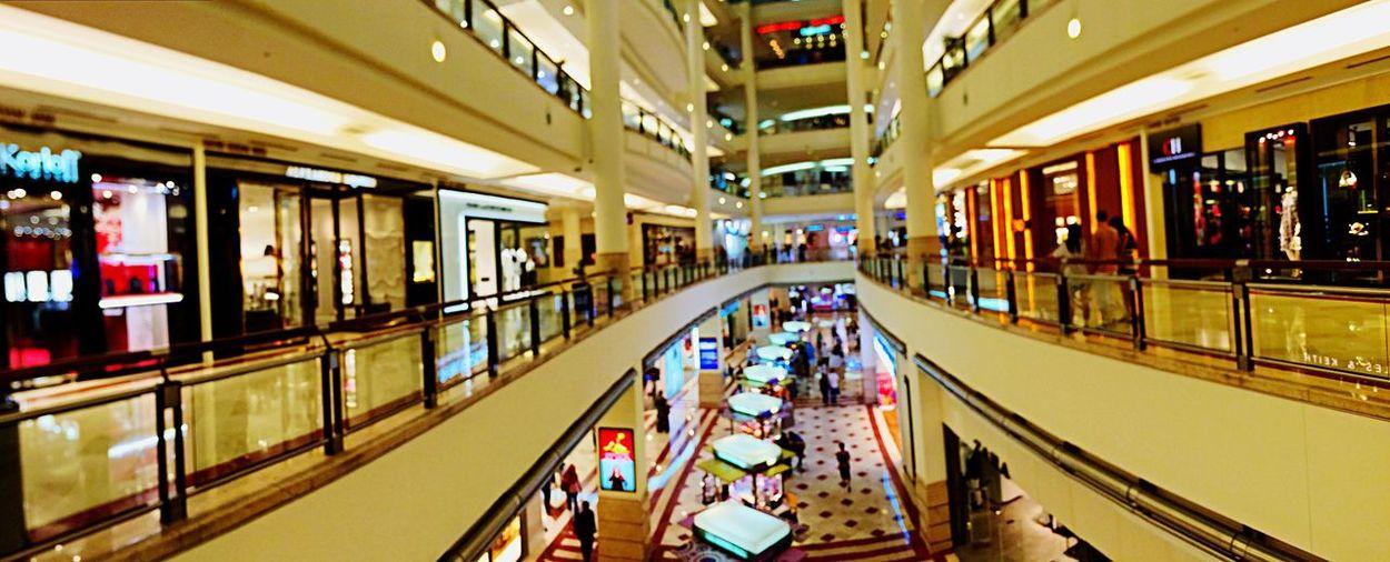 Shopping Mall Night Lights Travel Traveling Kuala Lumpur Malaysia  Building Beautiful Suria KLCC Enjoying The Moment