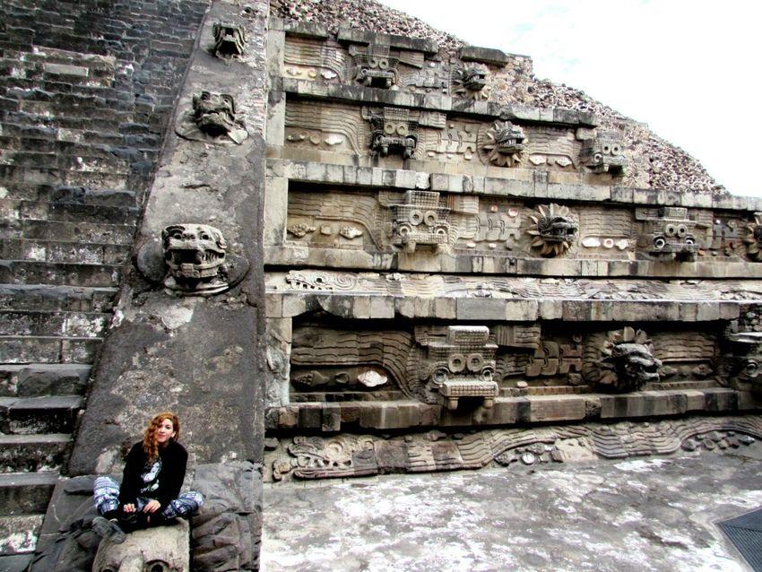 La Serpiente Emplumada, Teotihuacán Pyramids Mexico Quetzalcoatl