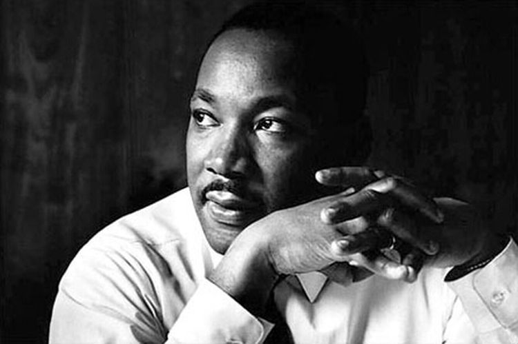 Happy #MLK Day , Heart to show respect !!