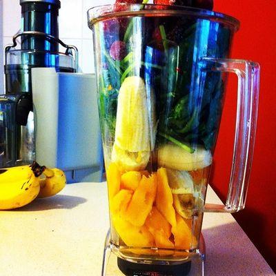 Yum Gofruityourself Delicious Smoothie bananas berries mangos maca spinach rawsome vegan vegansofig