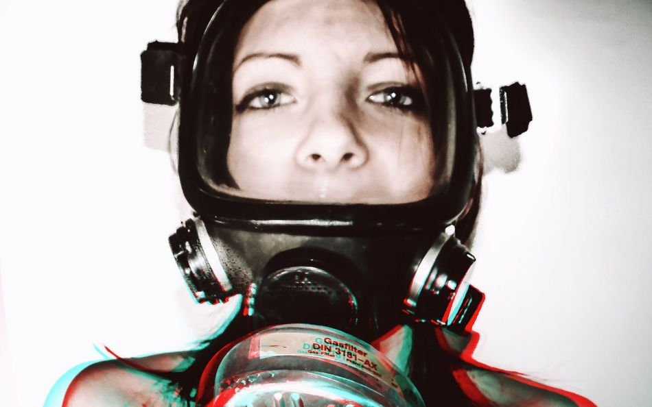 - ARE YOUR AFRAID OF ALL THAT POISON GAS ALL OVER THE WORLD? FIGHT YOUR FEARS, BUY A GAS MASK - Mask Revolutionary Fight Against War Check This Out Abstract Photography Social Issues Critical Human Rights Gasmask Woman Close-up Close Up People Portrait Of A Woman
